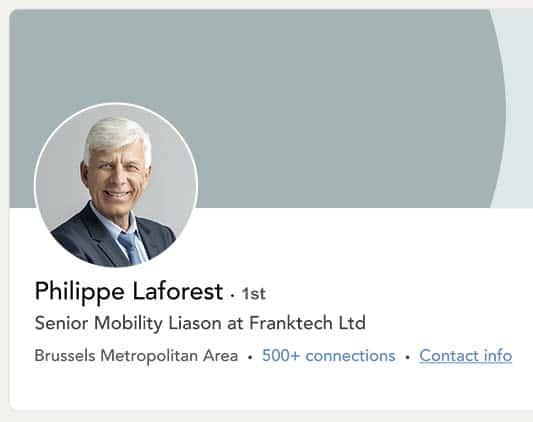 Capture d'écran du profil Linkedin de Philippe Laforest. Il sourit sur la photo.